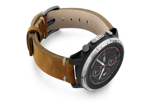 Amazfit-Stratos-smoked-walnut-vintage-leather-band-with-display-on-right