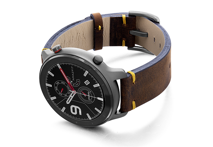 Amazfit-GTR-old-brown-vintage-band-with-display-on-LEFT