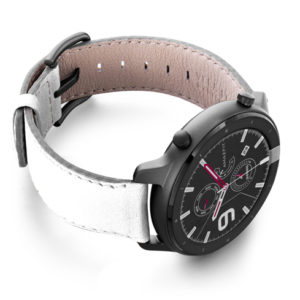 Amazfit-GTR-bianco-nappa-leather-band-with-displey-on-right