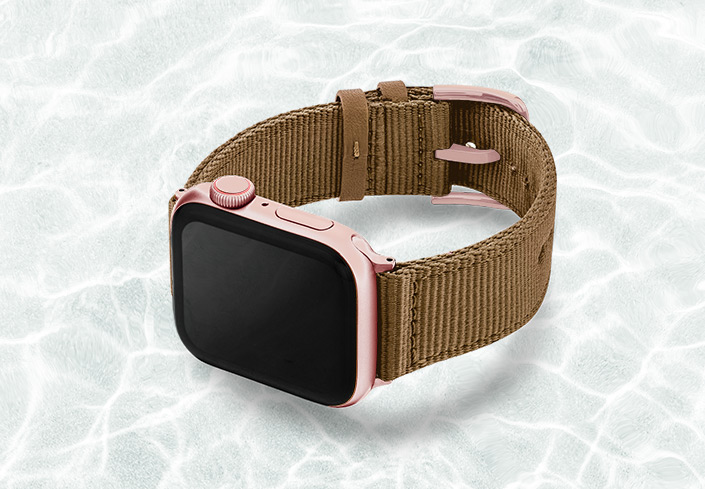 AW-turtle-tide-recycled-ocean-plastic-band-44mm-case-on-left_aluminium-rose-gold