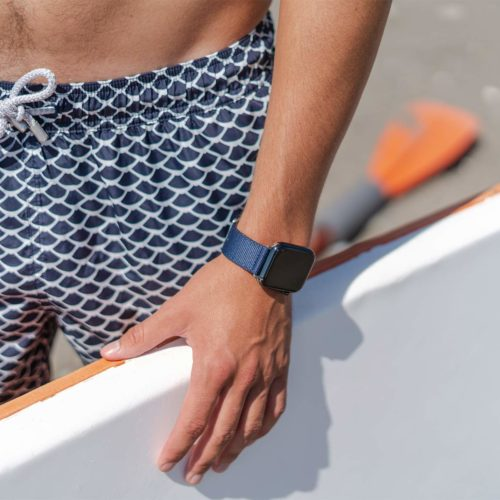 Apple-watch-blue-tide-band-recicled-ocean-plastic-man-in-surf