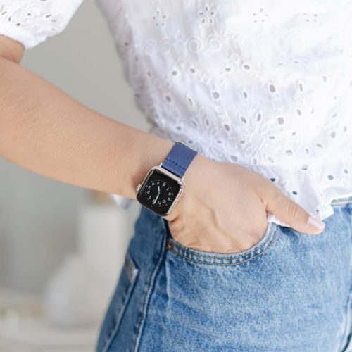 Apple watch-blue-tide-recycled-ocean-plastic-band-female-sportwear-outfit