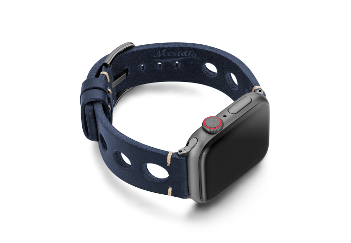 Blue-AW-urban-leather-band-on-right-space-grey