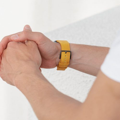 Recycled-Golden-cotton-apple-watch-band-for-him-closeup-back