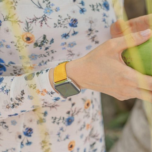 Recycled-golden-cotton-apple-watch-band-for-her-close-up